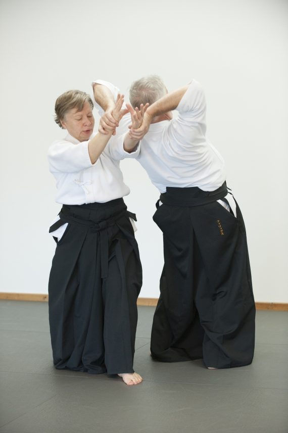 Aikido_stretch_